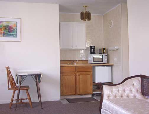 Cottage kitchen facilities
